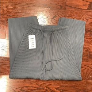 🌼3 for $26🌼 Wide flowy pants - super comfy